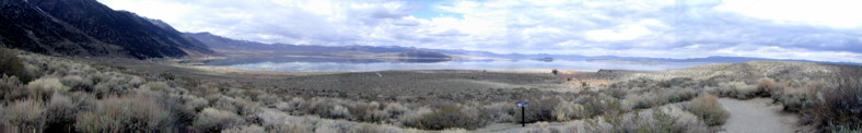 View across the Mono Lake near to the village of Lee Vining (6781feet)